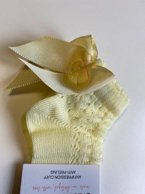 meia pata yellow